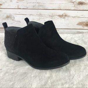 Toms black suede booties (Bin1908)